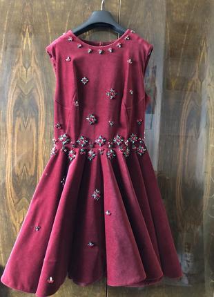 Muza платье нарядное с кутюрной вышивкой кристаллами.
