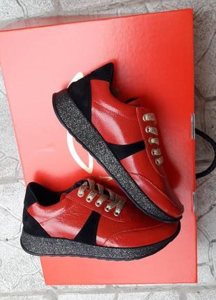 Хит!!!кроссовки красные кеды слипоны на танкетке с блеском  черные криперы