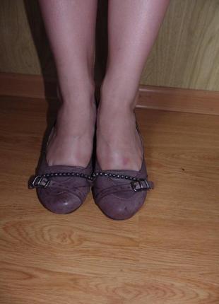 100%кожа туфли/маленький каблучок/ италия/на широкую ножку
