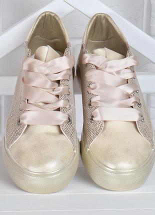 Кеды женские на платформе prima d'arte золотистые с люрексом атласные шнурки3 фото