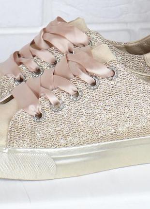 Кеды женские на платформе prima d'arte золотистые с люрексом атласные шнурки5 фото