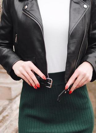 Стильная юбка зеленого цвета