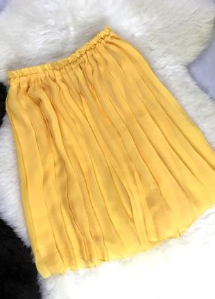 Мини-юбка плиссе желтого цвета