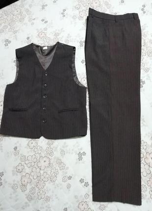 Костюм жилет и брюки k.r.collection на мальчика 10-11лет