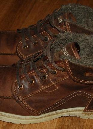 Кожаные утеплённые ботинки 42-43 р bugatti германия хорошее состояние
