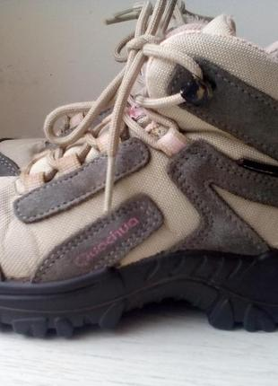 Мембранные ботинки,кроссовки quechua 28 раз.