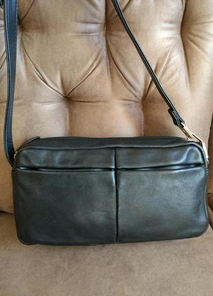Удобная кожаная сумка на плечо
