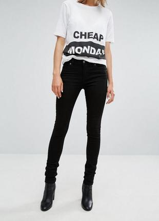 Cheap monday second skin new black черные слим джинсы