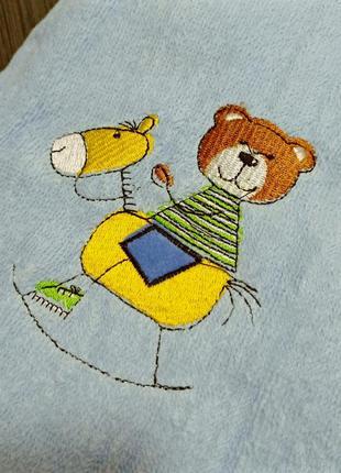 Детское полотенце с вышивкой