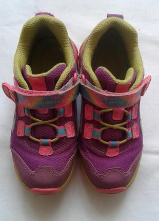 Яркие кроссовки. верх кожа+сетка stride rite  ( р. 30,5 )