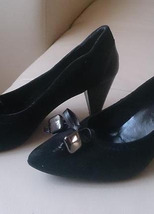 Замшевые туфли carlo pazolini