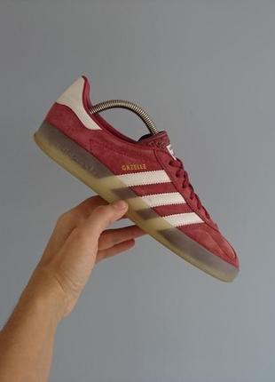 Оригінальні кросівки adidas indoor