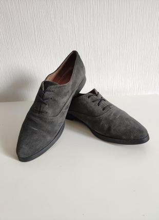 Стильные оксфорды закрытые туфли на шнуровке размер 39