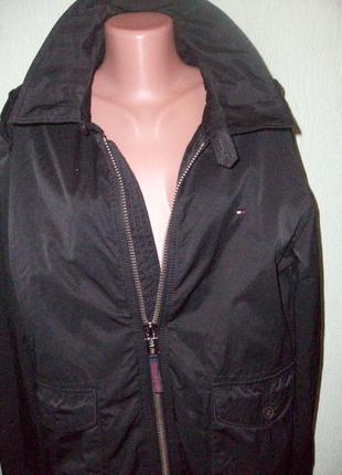 Эксклюзивная куртка ветровка tommy hilfiger размер l