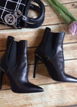 Дорогие кожаные ботинки riccardo cartillone