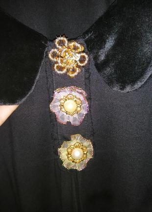 Маленькое чёрное платье с велюровый воротничком