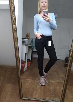Брючки джинсы 27 черные скини
