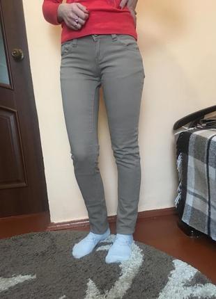 Бежеві натуральні штани котон приталенна skinny