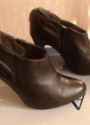 Кожаные туфли ...бренд -oasis---38 р