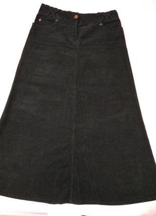 Длинная вельветовая юбка с карманами.