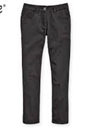 Серые термо джинсы р.128 для мальчика alive германия