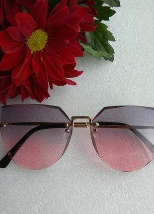 New 2019! новые стильные очки (с царапиной на стекле) уценены