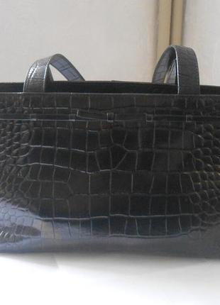 Красивая рельефная сумка liz claiborne