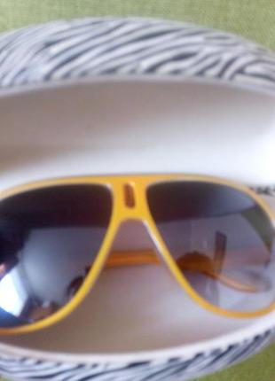 Очки солнце защитные.