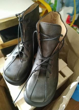 Ботинки весенние кожа