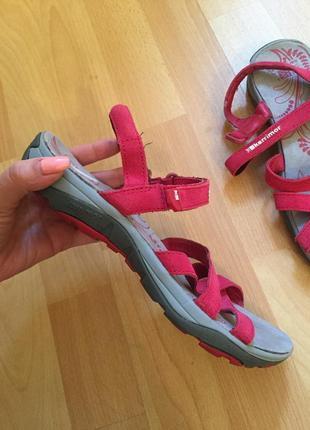 Кожаные сандали босоножки karrimor