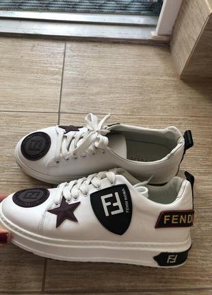 Кроссовки белые fen@i