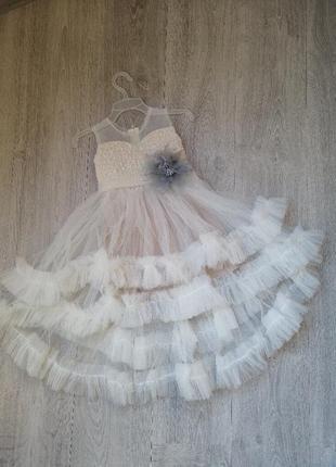 Нарядне плаття для маленької принцеси