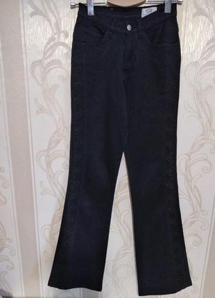 Черные джинсы с вышивкой на высокий рост7 фото