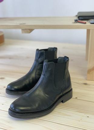 Кожаные челси, ботинки, очень крутые