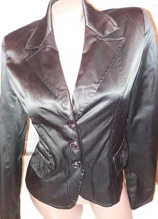 Короткий коричневый пиджак жакет италия р. 8(s) демисезон весна