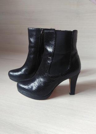 Ботинки clarks новые, натуральная кожа, оригинал!