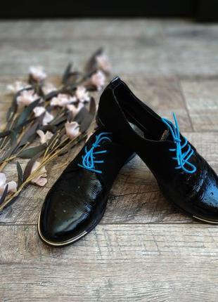 Черные туфли на шнуровку/оксфорды из натуральной лакированой кожи-38р