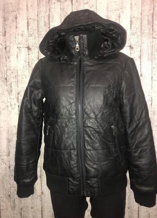 Теплая кожаная куртка с капюшоном saints & mortals размер м