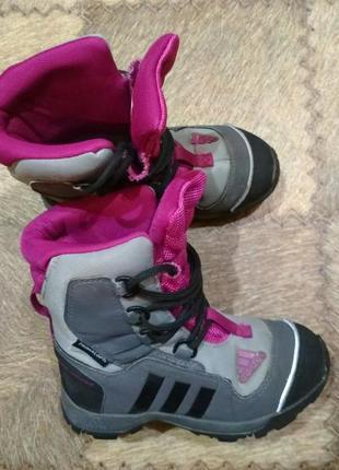 Фирменные крутые ботинки adidas