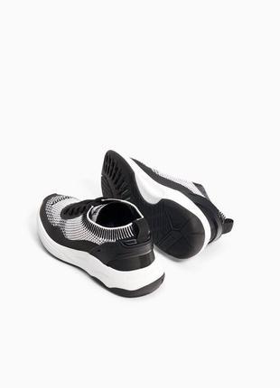 Стильные легкие кроссовки zara