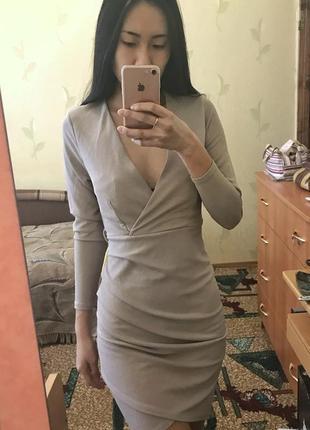 Платье на запах облегающее new look новое с биркой