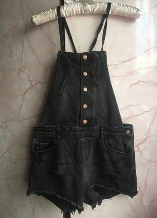 Модный джинсовой комбинезон!!! размер 36