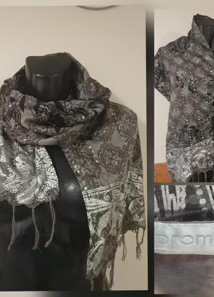 Фирменный  натуральный роскошный шарф. в подарок при покупки.