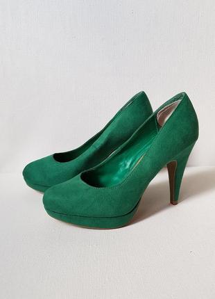 Шикарные изумрудные туфли на каблуке,замшевые туфли зеленого цвета new look