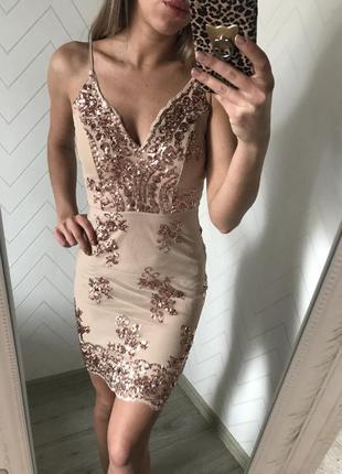 Платье xs s расшито пайетками