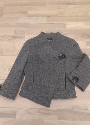 Жакет пиджак на весну полупальто черно-белое.р.m/l