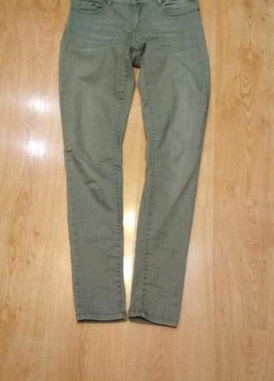 Фирменные, стильные джинсы слим