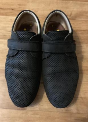 Туфли кожаные на мальчика. размер 36.цена 700 грн (торг уместен)