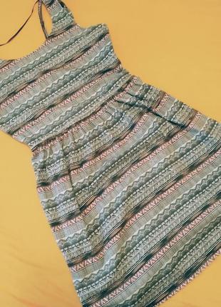 Лёгкое летнее платье colins