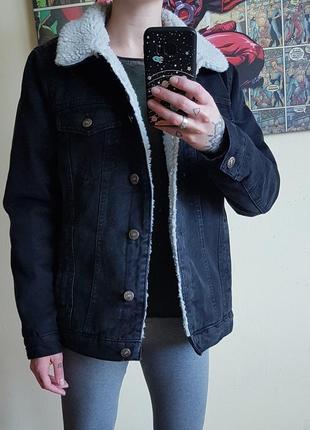 Утеплённая теплая джинсовая куртка оверсайз джинсовка оверсайз шерпа оверсайз
